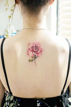 Rose Tattoos Ideas For Your Next Visit To The Tattoo Studio. Best Places For Tattoos That Won'T Stretch Spine Tattoos, Best Sleeve Tattoos, Tattoo Sleeve Designs, Tattoos Pics, Bow Tattoos, Thigh Tattoos, Shoulder Tattoos, Tribal Tattoos, Vintage Rose Tattoos