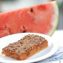 Συνταγή για καρπουζόπιτα Μήλου εύκολη, καρπουζένια με 200 θερμίδες ανά μερίδα. Μια από τις παραδοσιακές και γευστικές συνταγές της Μήλου.