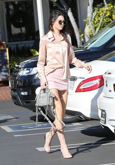 We love style star Kendall Jenner's pastel skirt paired with a blush blouse and Acne Studios Odessa Boots. Kendall Jenner Estilo, Kendall Jenner Outfits, Kylie Jenner, Star Fashion, Girl Fashion, Womens Fashion, Net Fashion, New Outfits, Fashion Outfits