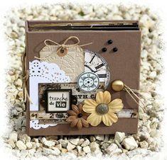 """Album """"Tranche de vie"""" de Flo : http://floscrapbooking.canalblog.com/archives/2013/10/21/28255223.html"""