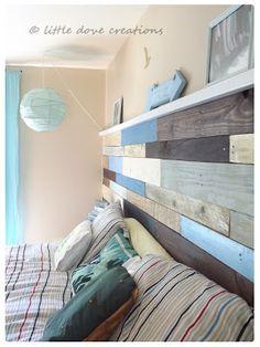 Une Tête de lit en bois de palette http://www.academiedubricoleur.com/catalogue/creer/faire-une-tete-de-lit-en-bois-de-palette.html