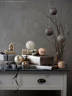 I love this modern and understated Christmas decor. What a great way to showcase sentimental and more valuable pieces.
