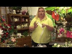 How to make a floral bow - good to know for wreaths