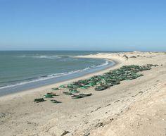 Oued Eddahab-Lagouira Morocco..  la ville qui séduit les touristes Lagouira se trouve sur l'atlantique marocain, à la frontière avec la Mauritanie.Elle est localisée sur un cap (Ras Nouadhibou) qui forme une péninsule de plus de 70 km, partagée entre la Mauritanie (à l'est) et le Maroc à l'ouest..
