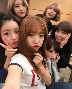 """Chorong And Apink Selca Update from Apink's Fancafe """