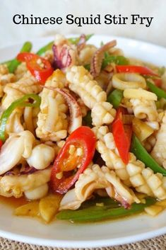 Chinese style squid stir-fry is a delicious and healthy way to eat squid. The squid is tender and juicy while the red chili bring a bit of heat. Calamari Recipes, Prawn Recipes, Seafood Recipes, Dinner Recipes, Cooking Recipes, Octopus Recipes, Squid Recipes, Fish Recipes, Asian Recipes