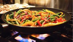 Stir fry is a fast and healthy cooking method. Here are seven simple strategies for getting that restaurant-quality stir fry right in your own kitchen! Asian Cooking, Healthy Cooking, Easy Healthy Dinners, Easy Dinner Recipes, Stir Fry Technique, Comidas Pinterest, Chinese Stir Fry Sauce, Stir Fry At Home, Easy Chicken Stir Fry