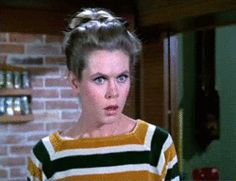 Samantha (Elizabeth Montgomery) in Bewitched (animated : click through to see full animation) Bewitched Tv Show, Letters To Juliet, Erin Murphy, The Scarlet Pimpernel, Warm Bodies, Agnes Moorehead, Beautiful Witch, Walk To Remember, Elizabeth Montgomery
