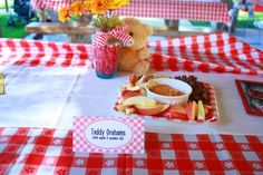 Teddy Grahams with apples and pumpkin dip    Lilly's 1st Birthday - Teddy bear Picnic  http://macdonaldsplayland.blogspot.com/2012/11/lillys-1st-birthday-party-teddy-bear.html