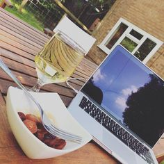 Wine chorizo and @casioprojectors = outdoor backgarden cinema. Time to watch The Post
