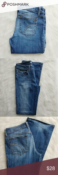 """Joe's Jeans Honey Bootcut Jeans Joe's Honey in Ludlow medium wash are the perfect go to pair of jeans. Excellent condition, no marks stains ect. Inseam 34"""" Rise Front 8"""" Rise Back 12"""" Materials 98% Cotton 2% Elastane Joe's Jeans Jeans Boot Cut"""