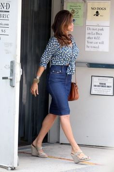 blue jean skirt outfit