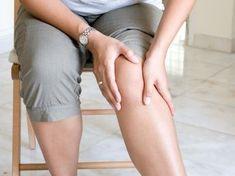 Eine Arthritis führt zu Gelenkschmerzen.