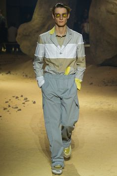 See the Kenzo spring/summer 2016 menswear collection. Click through for full gallery