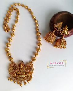 Jewelry OFF! Gorgeous Jewelleries For The Festive Days Ahead Jewelry Design Earrings, Gold Earrings Designs, Gold Jewellery Design, Necklace Designs, Jewelry Sets, Ruby Jewelry, Chain Jewelry, Antique Jewellery, Bridal Jewelry