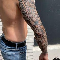 Polynesian Forearm Tattoo, Maori Tattoo Arm, Hawaiianisches Tattoo, Polynesian Tribal Tattoos, Maori Tattoo Designs, Samoan Tattoo, Viking Tribal Tattoos, Half Sleeve Tribal Tattoos, Tribal Forearm Tattoos