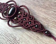 Macrame Necklace, Macrame Jewelry, Macrame Bracelets, Boho Jewelry, Jewelry Crafts, Jewelry Art, Bead Embroidered Bracelet, Crochet Bra, Macrame Projects