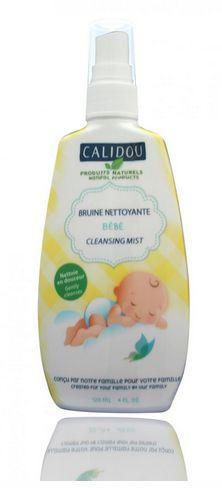 La Bruine nettoyante Calidou nettoie rapidement toutes les parties du corps (visage, bouche, mains, fesses, etc.). Elle ne nécessite aucun rinçage. Sans alcool, elle est sans danger pour les nouveau-nés et les bébés.