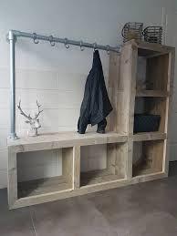 Afbeeldingsresultaat voor steigerbuis kapstok Diy Bench, Entryway Bench, Coat Hanger, Window Sill, Mudroom, Wood Projects, Diy Furniture, Interior, Inspiration