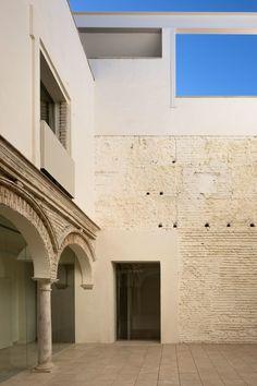 García Torrente Arquitectos, Fernando Alda · Restoration of the old Ignacio Halcón School