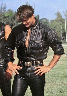 Gianni Versace Lambskin Cowboy Shirt Golden Jellyfish Button Size IT 48 US 38 Gianni Versace, Versace Men, Leather Fashion, Leather Men, Leather Jacket, Black Leather, Americana Vintage, 80s Fashion Men, Tight Leather Pants