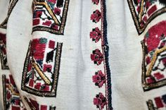 c/o Ioana Corduneanu Folk Costume, Costumes, Embroidery Patterns, Must Haves, Textiles, Traditional, Detail, Blouse, Shirts