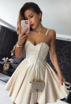 Elegant Homecoming Dresses,A-line Homecoming Dresses,Champagne Homecoming Dresses,Sweetheart Homecoming Dresses,Short Prom Dresses,Party Dresses