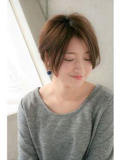 メルバイピュール(mer by PUUR)前髪長めのナチュラル大人ショート