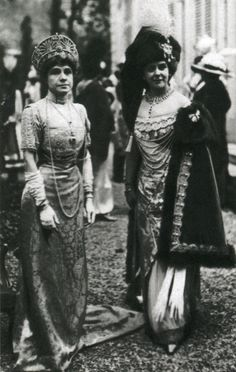 Olga, Countess Hohenfelsen (right) with Infanta Eulalia of Spain at Madame de Yturbe's Hungarian ball in Paris in 1912.