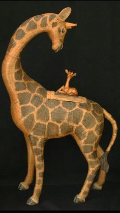 Wicker animal basket: Giraffe