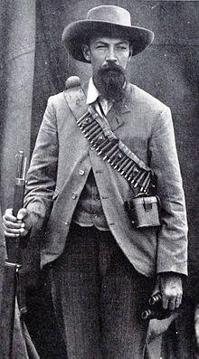 Schalk Willem Burger - Hy het in 'n aantal veldslae diens gedoen, soos die Sekhukhune-oorlog van 1876, en later gedurende die Eerste Vryheidsoorlog (Eerste Boere-oorlog) van 1881, het hy as waarnemende Veldkornet gedien. Hy is in 1885 as Komdt van die Lydenburg Komm verkies. Met die uitbreek van die Tweede Vryheidsoorlog (Tweede Boere-oorlog) het hy as Kommandant-Generaal in 'n aantal veldslae gedien, insluitend die Slag van Spioenkop en die Slag van Modderrivier, op 30 Okt 1899.