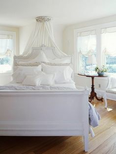 The ceiling crown is my idea of heaven along with the height of the bed. Sweet dreams!