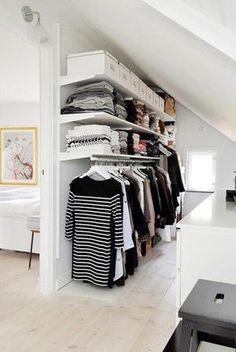 Sehe dir das Foto von Hobby mit dem Titel Noch so eine tolle Lösung für einen begehbaren Kleiderschrank mit Dachschräge und andere inspirierende Bilder auf Spaaz.de an.