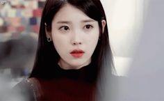 Iu Cry GIF - Iu Cry Producer - Descubre & Comparte GIFs