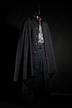 Male Kimono, Men's Kimono, Mens Cape, Japanese Costume, Four Seasons, Costume Design, Raincoat, Mens Fashion, Costumes