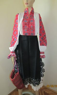 Antique hand embroidered Romanian costume from Transylvania / Tinutul Padurenilor size M/L Folk Costume, Costumes, Folk Fashion, Embroidery Dress, Kimono Top, Traditional, Blouse, Anna, Clothes