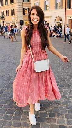 romantic outfit idea / red midi dress + bag + slip-on Dress Indian Style, Indian Fashion Dresses, Indian Designer Outfits, Stylish Dresses For Girls, Stylish Dress Designs, Cute Dresses, Frock Fashion, Skirt Fashion, Fashion Outfits