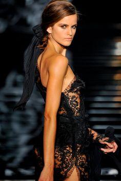 styleonnet:    (Beauty / stunning lace mini dress gönderdi)