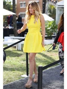 Lauren Conrad is a total ray of sunshine. Her fit 'n' flare dress is perfect for any internship. Swap those wedges for pumps or flats!
