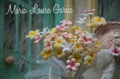 Modelado en porcelana fria, biscuit, cold porcelan, flores, construccion, patinas, pintura texturas. Romantico, shabby