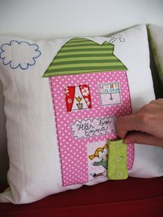 love this pillow for a little girl...