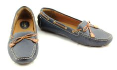 Clarks Artisan Navy Blue Driving Shoes – Women's 8.5 www.TheConsignmentBag.com We deliver to your door Worldwide!  New items arrive daily.  Follow us and Save!