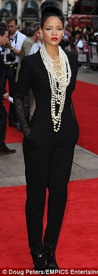 Rihanna wears McQueen at the premiere of Inglourious Basterds