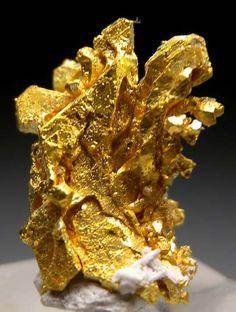 Gold from Round Mountain Mine, Nye Co., Nevada [db_pics/pics/b354a.jpg]