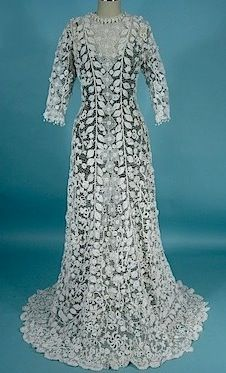 Irish Crochet Lace Gown With Crochet Buttons c.1910