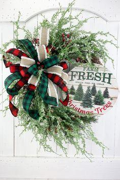 Fresh Christmas Trees, Christmas Door Wreaths, Winter Wreaths, Christmas Mom, Christmas Signs, Summer Wreath, Holiday Wreaths, Christmas Crafts, Holiday Ideas