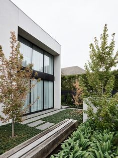 Architect David Watson together with AGUSHI Builders have completed the Kent House, a low-maintenance home for a couple in Melbourne, Australia.The house was to have four bedrooms with three bathr Contemporary Architecture, Landscape Architecture, Landscape Design, Architecture Design, Garden Design, House Design, Contemporary Homes, Bluestone Paving, Supreme Furniture