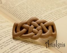 Celtic Knot Hair Barrette in Alder Wood Handcarved by ArtisIgnis, €25.00