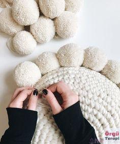 Crochet Simple, Crochet Diy, Crochet Home, Crochet Crafts, Yarn Crafts, Crochet Projects, Diy Crochet Pillow, Knit Pillow, Kids Crochet