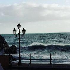 Mare in tempesta!  Stormy sea!  #minori #amalficoast #costieraamalfitana #italy #costiera #sun #mare #madeinitaly #trip #italytrip #travel #italytravel #wave #beach #sea #water #waves #sky #sand #blue #nature #beautiful #amazing #photooftheday #instatravel #travelgram #igtravel #travelphotography #tourism